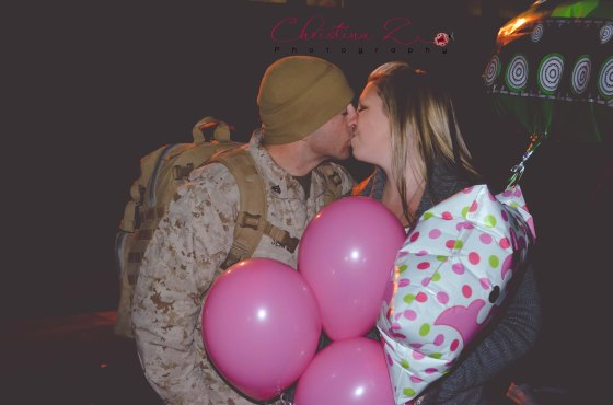 Gender Reveal / Military Homecoming | © Christina Z Photography
